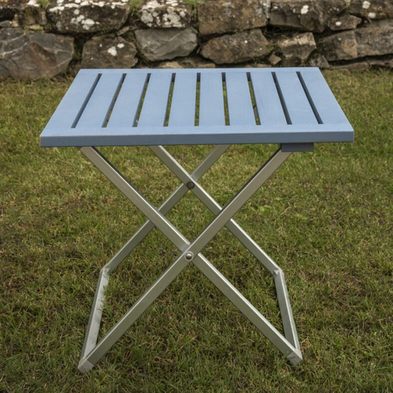tavolo-basso-lounge-blu-scoglio-red-italy-arredamenti-per-esterno