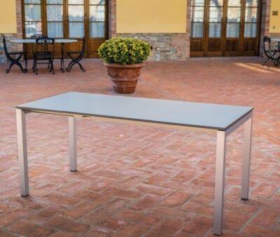 tavolo-summum-1-red-italy-arredamenti-per-esterno
